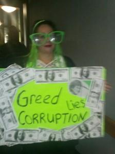 Mamacheeks-greed-costume-768x1024